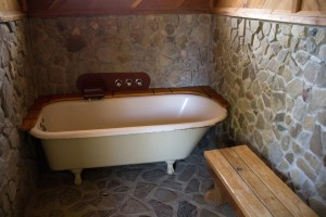 Private Indoor Tub #3 (Photo by Jerzy Aust)
